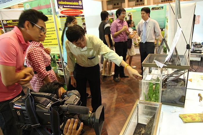 หมอเกษตร พาทีมข่าวมาถ่ายภาพ